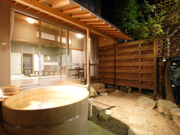 Fuyou-Sansou. Luxury room with private open-air bath