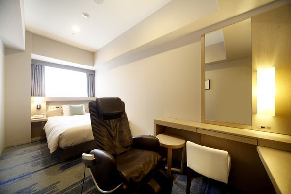 DELUXE SINGLE ROOMS
