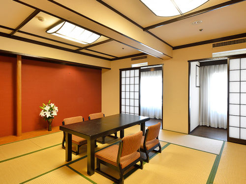 Japanese Style 12.5-tatami-mat Room East Wing