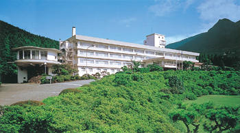Hotel Kagetsuen in summer.